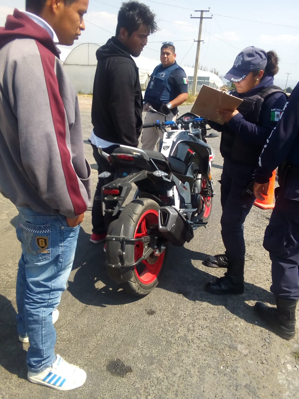 Detienen a tres en operativos al transporte público en Chiautzingo