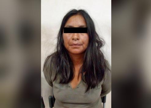 Mujer machetea a policías que indagaban un robo en Coronango