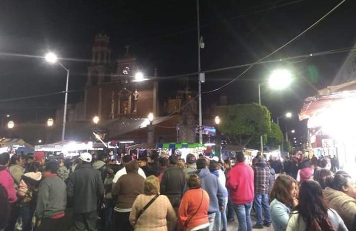 Con policías, impiden instalación de ambulantes en centro de Texmelucan