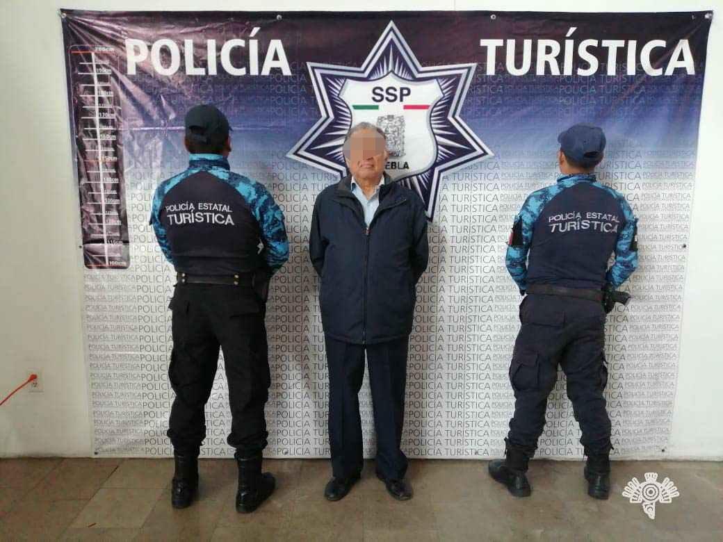 Cae a sus 71 años por abuso sexual en transporte público de Puebla