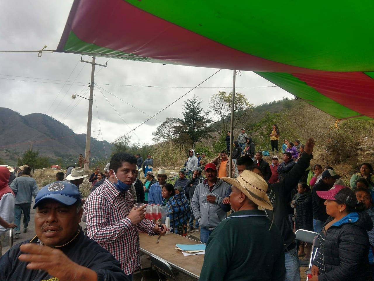 Van tres días de protesta en Zautla por falta de apoyo ante Covid-19