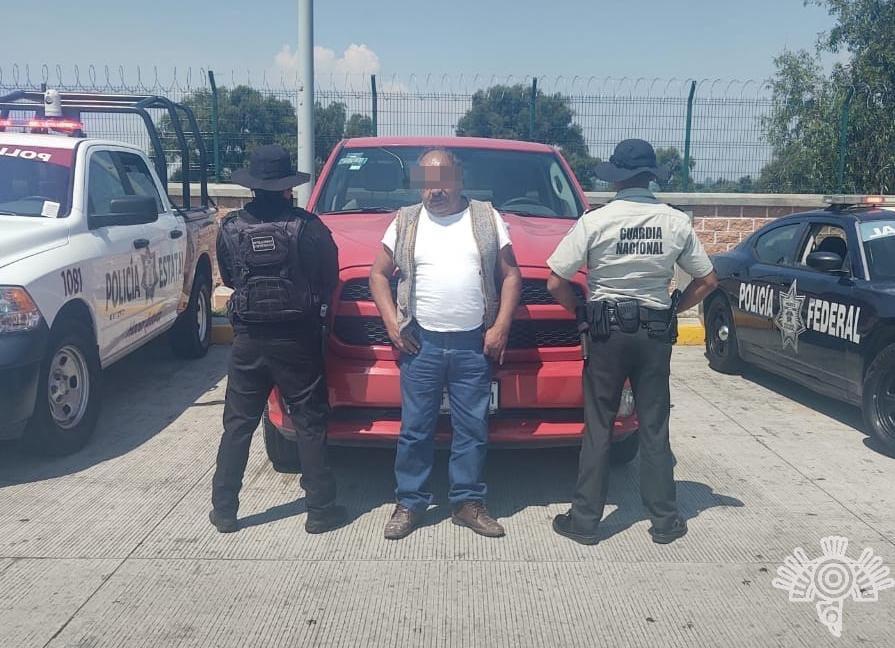 Detienen a 2 y aseguran vehículos robados en la México-Puebla