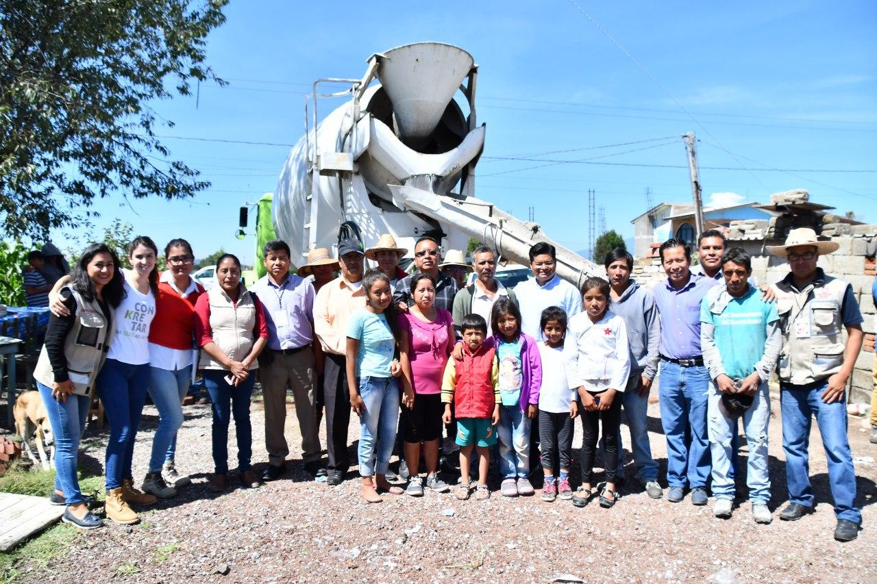 Beneficiadas 255 personas de Coronango con acciones de Piso Firme