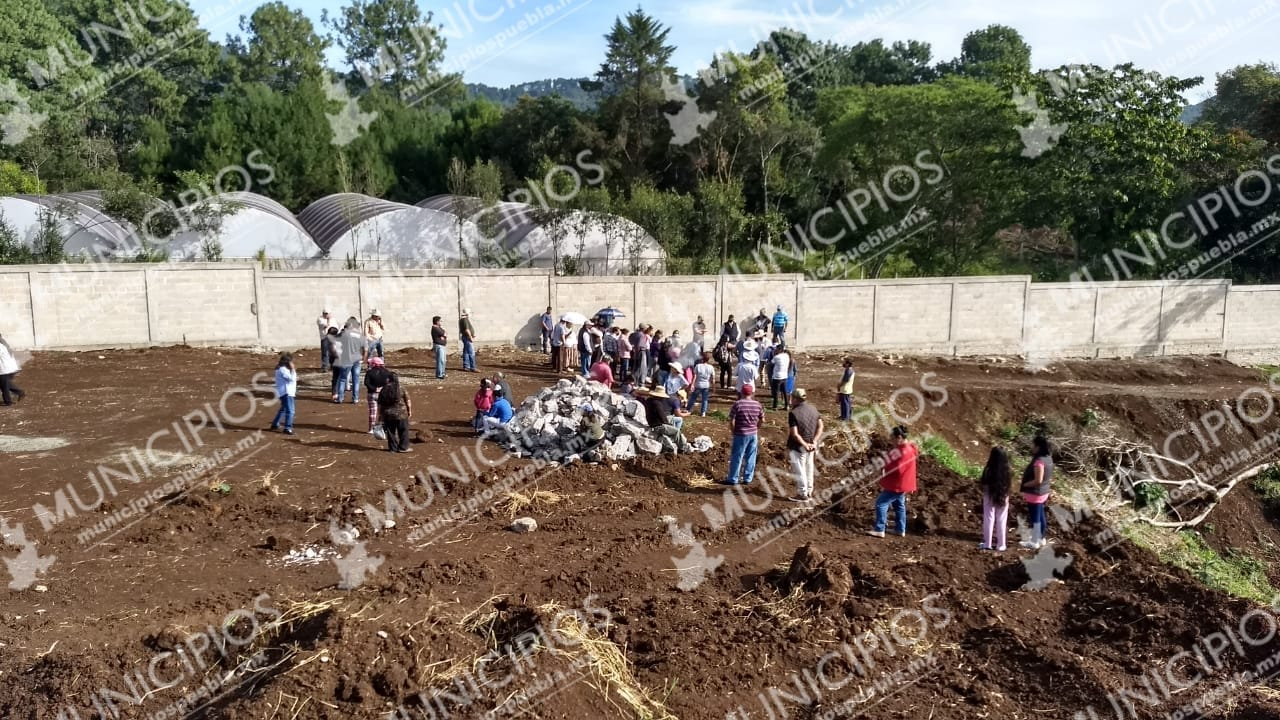 Presidente auxiliar en Huauchinango impide obras del nuevo panteón municipal