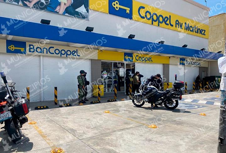Sujetos armados asaltan Coppel Huejotzingo y se llevan celulares