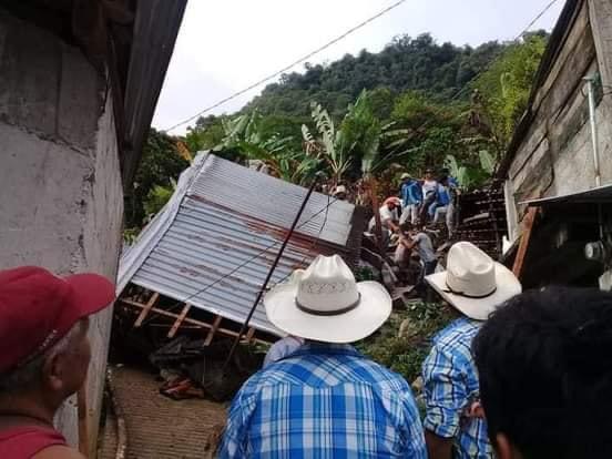 Lluvias dejan incomunicados a pobladores de Hermenegildo Galeana
