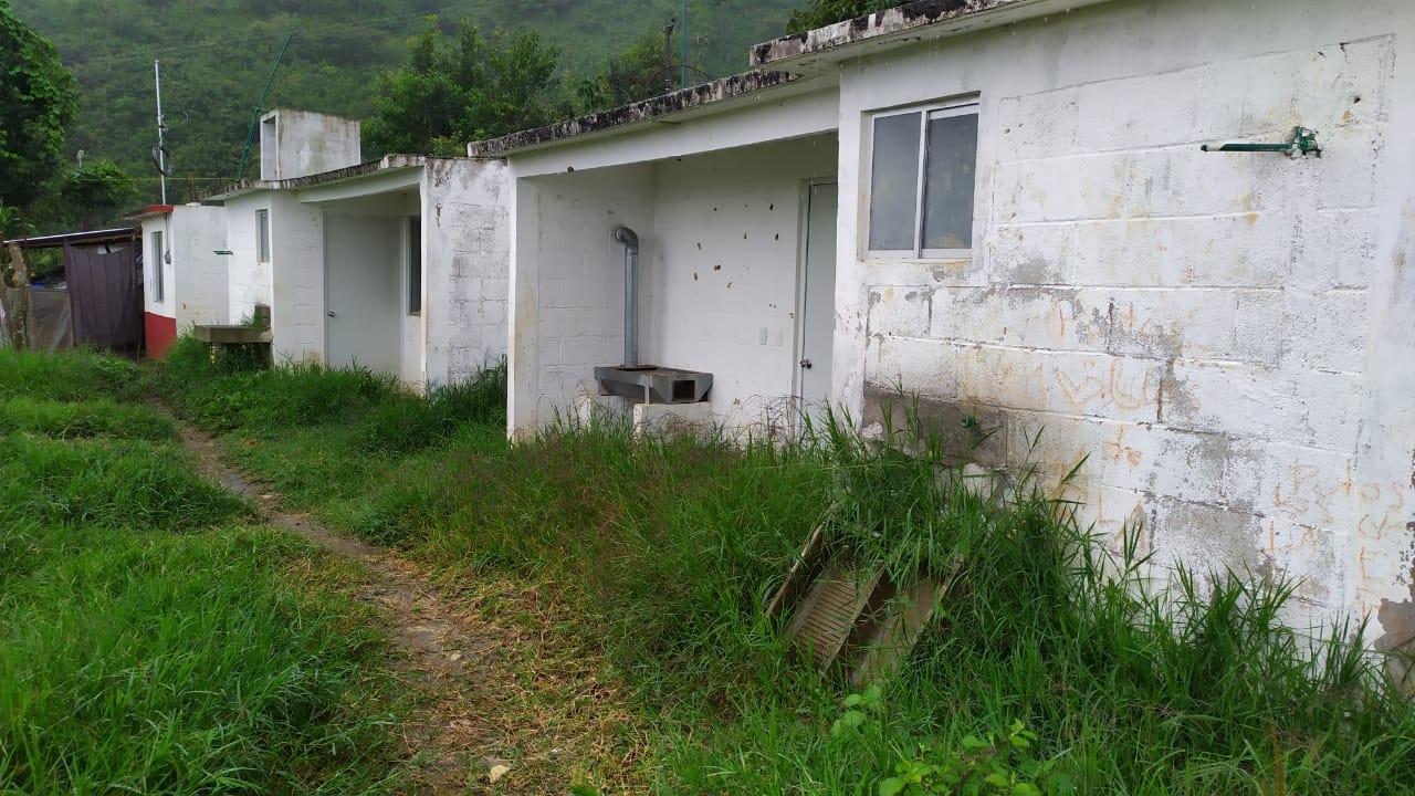 Años después, cobran viviendas a damnificados por Earl en Huauchinango