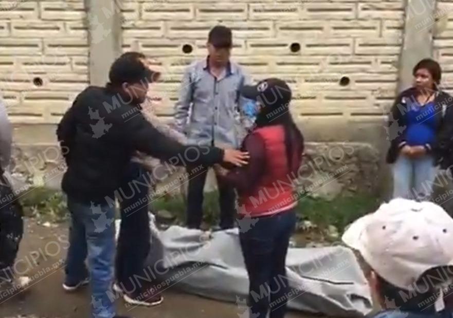 Matan a joven en Canoa y familia le arrebata el cuerpo a policía