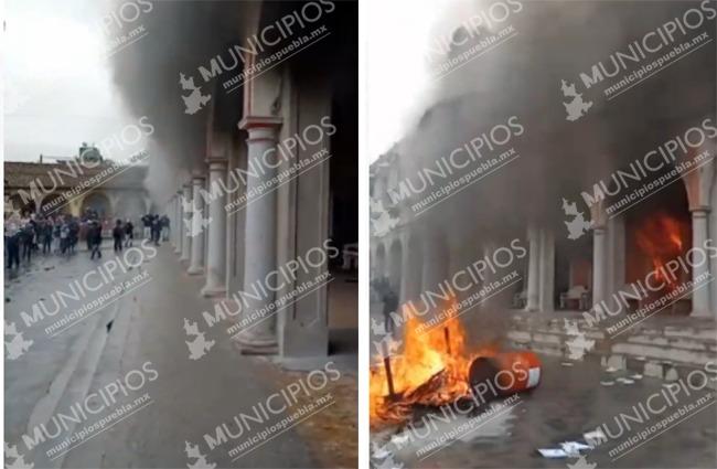 Prenden fuego a alcaldía de Chignautla por privatización del agua