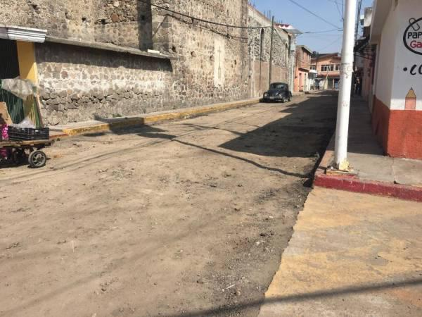 Piden colonos y comerciantes conclusión de obra en Cuautlancingo