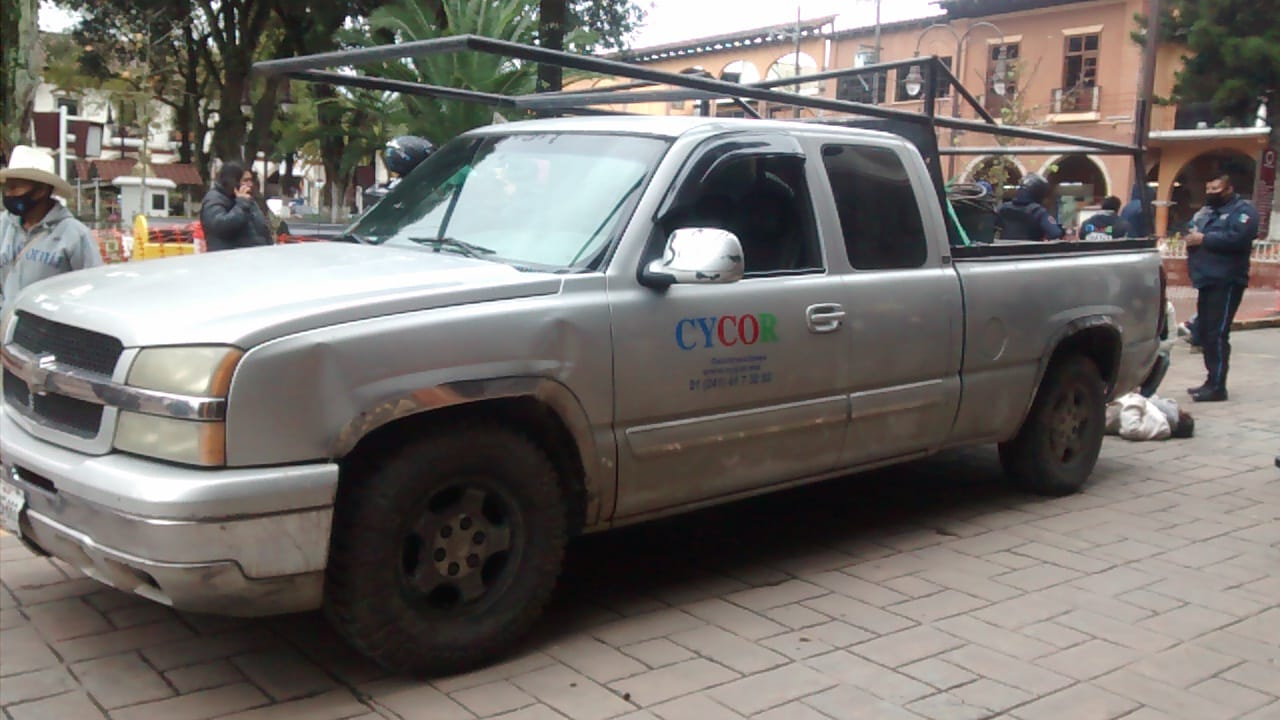 Conductor atropella a mujer en centro de Huauchinango