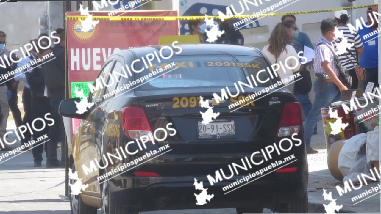 VIDEO Matan a taxista en San Lorenzo Almecatla, frente a su esposa