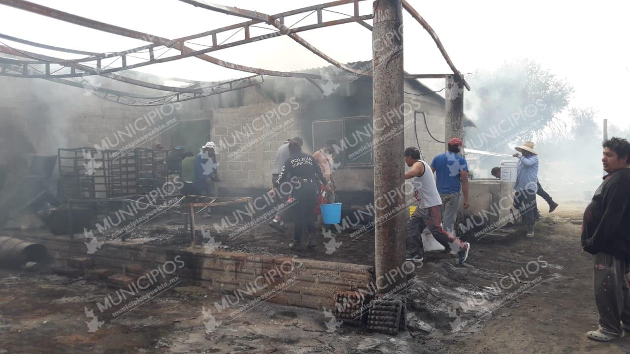 VIDEO Así fue el incendio en bodega que almacenaba pirotecnia en Chiautzingo