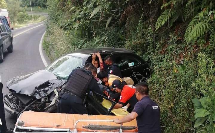 Fuerte accidente deja un muerto en Teziutlán