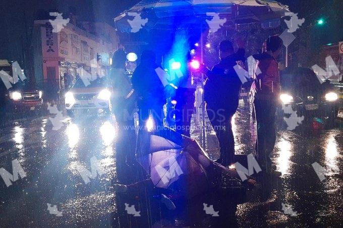 Mujer muere atropellada bajo la lluvia en La Libertad