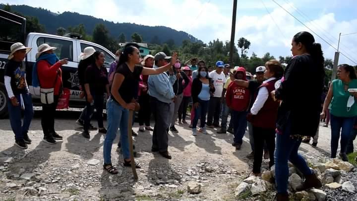 Intentan linchar a Porfirio Loeza mientras pedía el voto en Tlatlauquitepec