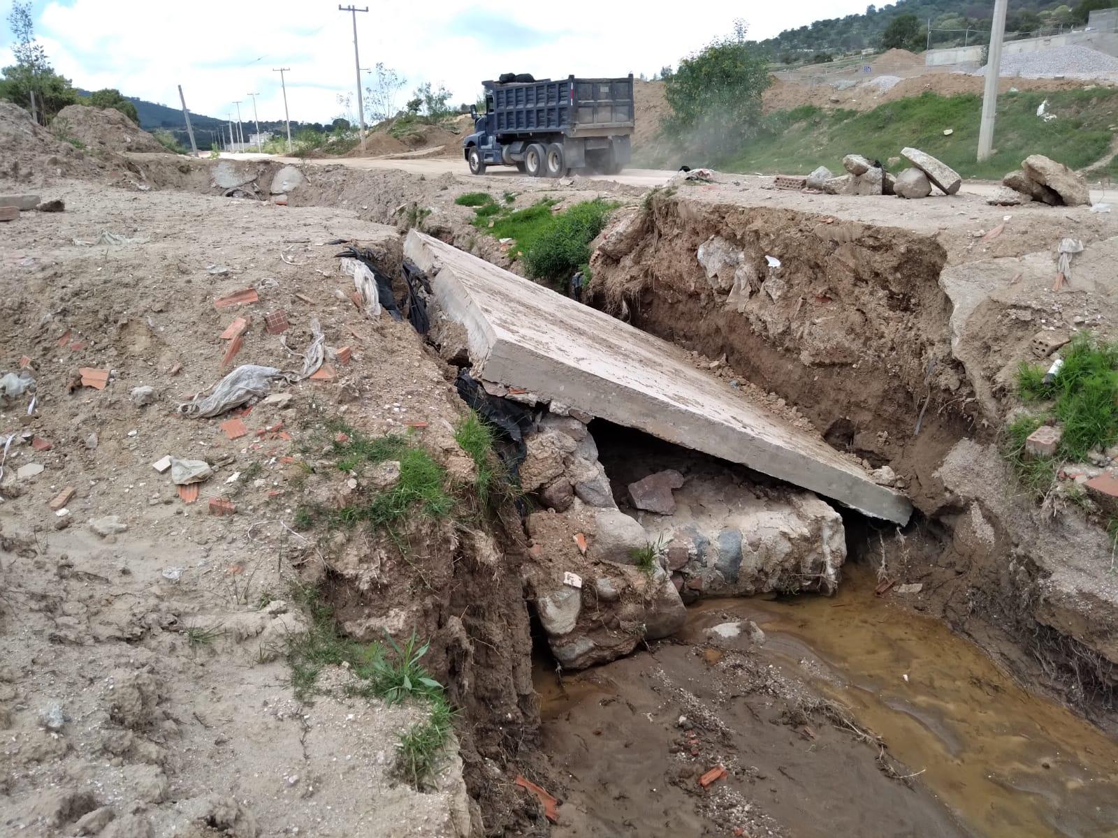 Colapsa puente por falta de mantenimiento y lluvias en Amozoc