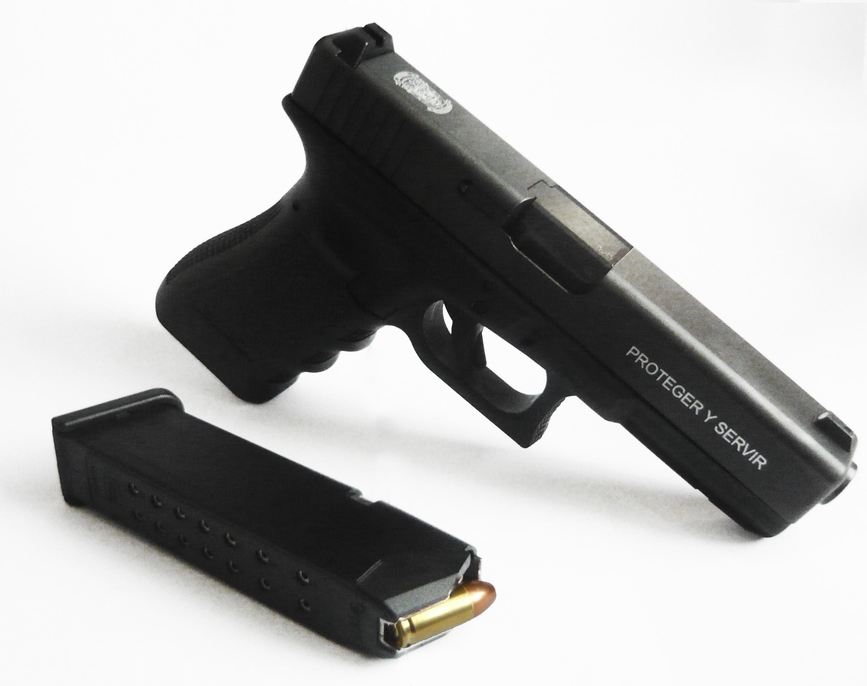 En cambio de turno le roban pistola a policía de Piaxtla