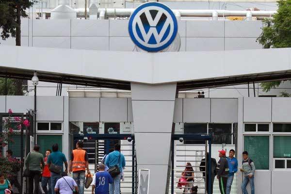 Dialogaré con VW para aplazar reinicio de actividades: Barbosa