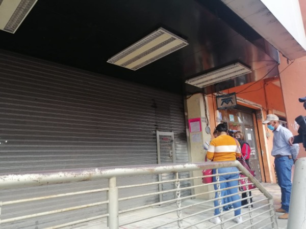 Desalojan en Xicotepec a familia de exedil de Huauchinango