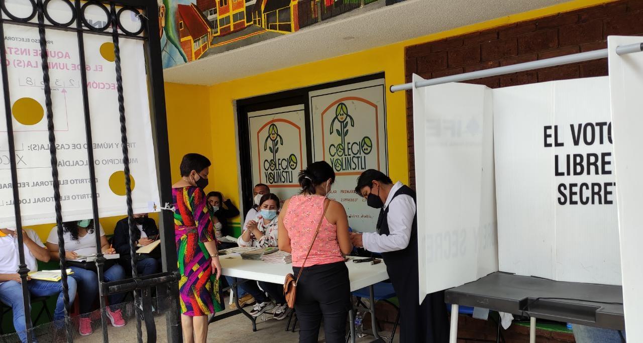 Tras voto por voto crece diferencia de Lupita Vargas