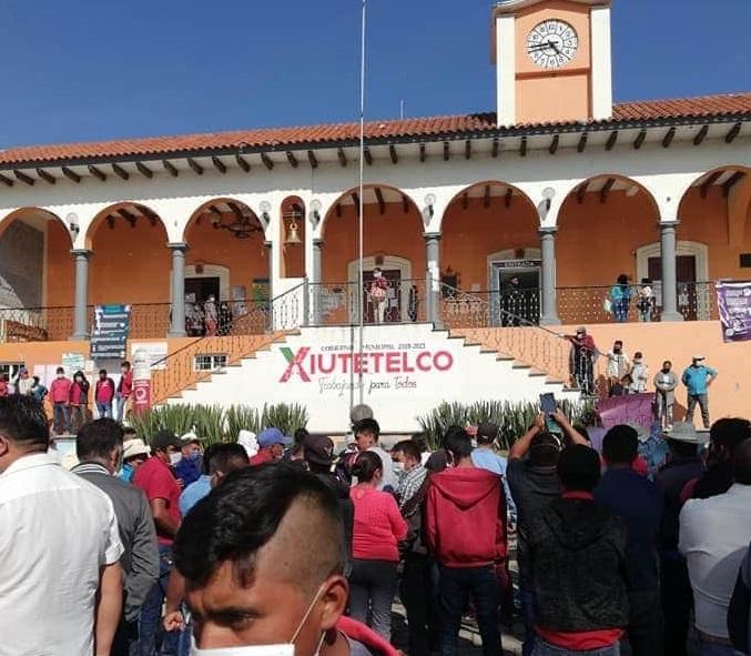 Demanda de obras generó incendio de presidencia en Xiutetelco