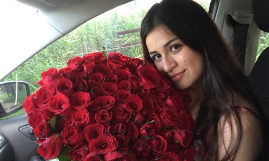 Tras anunciar su compromiso, la violaron y asesinaron en su casa