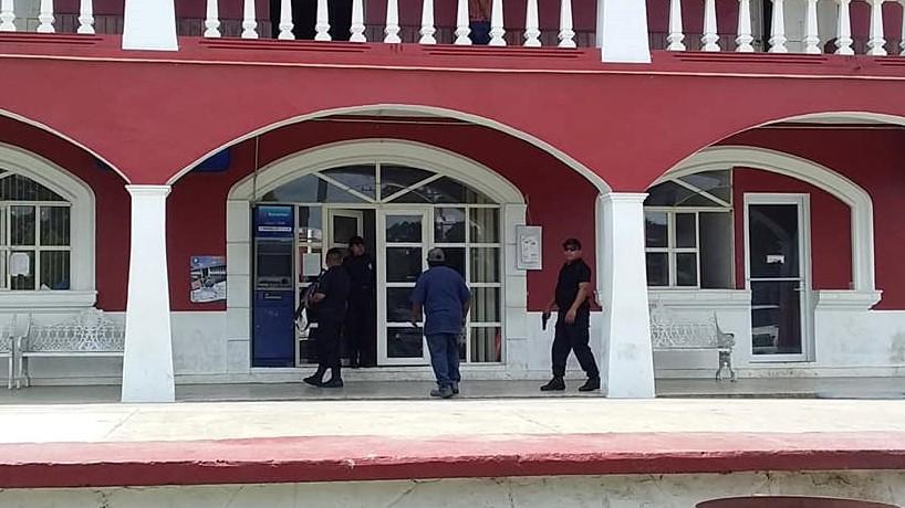 Pascual Morales impone a su esposa como candidata a edil de Francisco Z. Mena