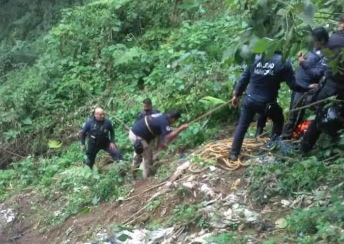 Joven se va a barranca de 400 metros y fallece en Zacapoaxtla